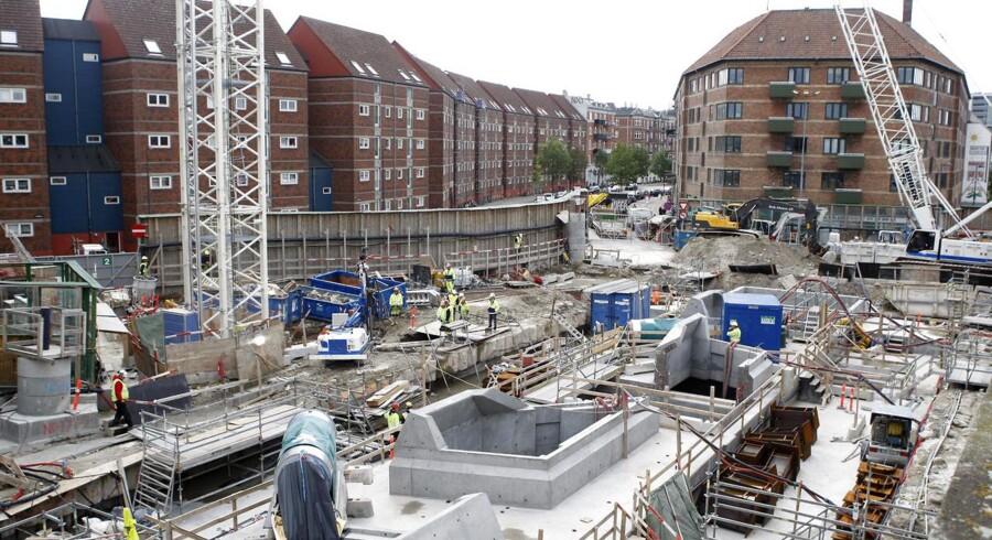 Tre opgange ved Nørrebro station blev natten til onsdag evakueret, fordi metro-byggeriet havde forårsaget akut sammenstyrtningsfare.