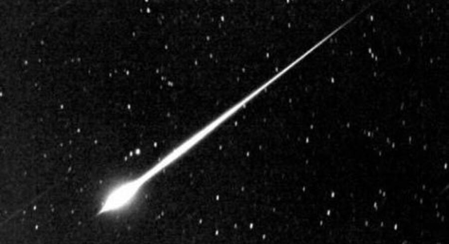 Flere danskere har tidligere fået sig overraskelser, når de har kigget mod himlen. 22. oktober 2008 gled et meget lysstærkt stjerneskud - en såkaldt ildkugle - hen over himlen. Foto: J.W. Young (TMO/JPL/NASA)