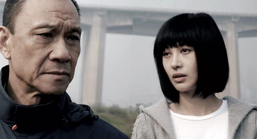 Filmen »Chongqing Blues« er baseret på en sand historie. Wang Xueqi spiller rollen som sørgende sømand.
