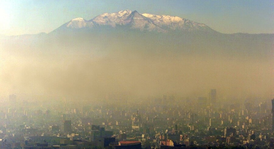 Arkivfoto: Smog over Mexico City.