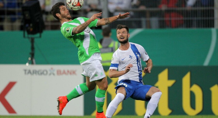 SV Darmstadt voldte store problemer for Wolfsburg, der dog gik videre efter straffesparksafgørelse.