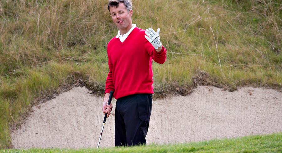 """Onsdag gæstede Kronprins Frederik golfturneringen """"Made in Denmark"""", hvor han spillede en runde med Thomas Bjørn, Tom Kristensen og Lars Larsen ."""