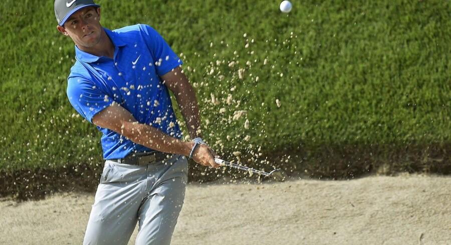 Rory McIlroy fører fortsat PGA Championship efter lørdagens runde.
