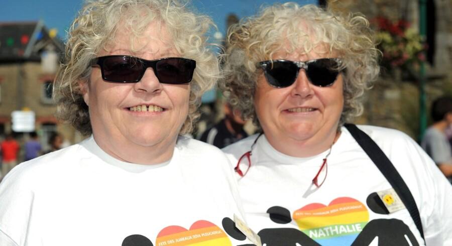 Tvillinger deltager i Fete des Jumeaux i franske Bretagne.