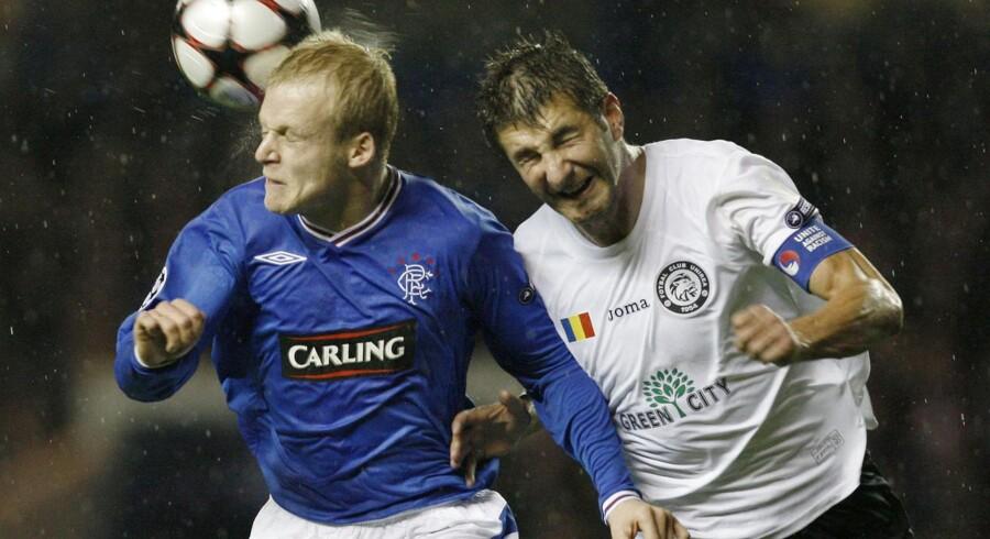 Steven Naysmith i aktion for Glasgow Rangers tilbage i 2009.