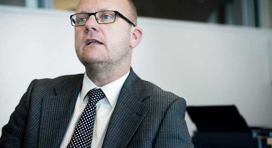 Simon Makienoks beslutning om på forhånd at melde fra til landsholdet for i stedet at blive gift med tv-værtinden Ibi Støving sker ikke med Brøndbys gode vilje.