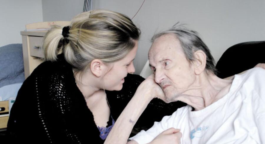 Lene Voller bekymrede sig meget for sin morfar, Frede Skjødt, men begge led under de skrappe besøgsrestriktioner.