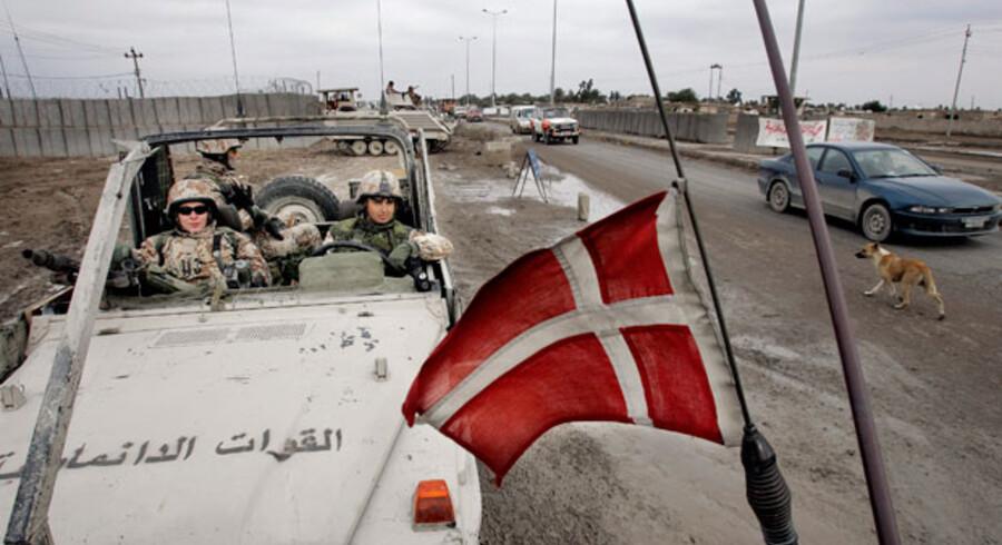 Ifølge både S og R viser Wikileaks seneste læk »i den grad«, at der er brug for en tilbundsgående undersøgelse af Danmarks deltagelse i Irakkrigen. »Regeringen skjuler sandheden,« lyder det.
