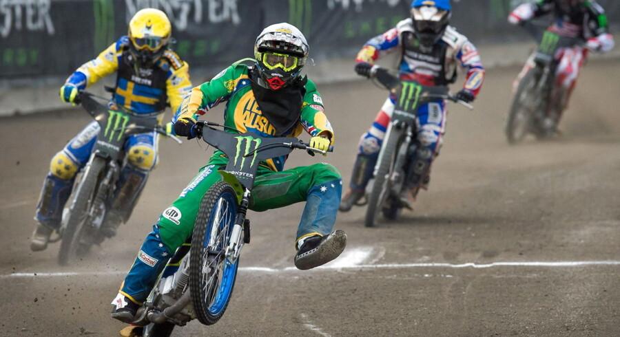 Troy Batchelor jubler over Australiens sejr i Bydgoszcz.