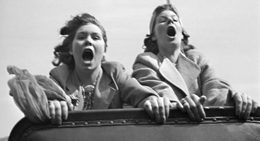 En tur med rutsjebanen på Dyrehavsbakken har alle dage kunne fremkalde et mavekildende hvin eller to. Her vi omkring år 1940.