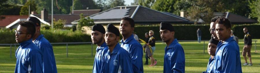 Fire af 11 forsvundne spillere fra det indiske hold, der deltog i den internationale håndboldturnering Dronninglund Cup, er nu fundet. Her ses spillere fra holdet (Foto: Ole Sejfert, Dronninglund Cup).