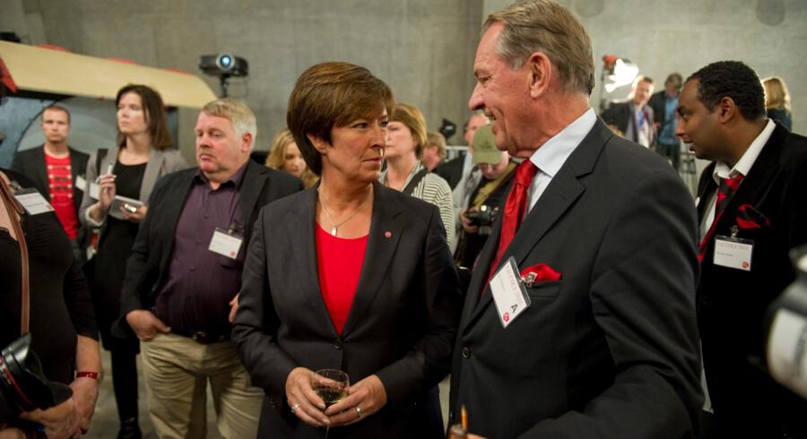 De største tabere ved riksdagsvalget i går blev Socialdemokraterna, der er gået 10 pct. tilbage siden valget i 2006. Her ses partiets formand Mona Sahlin med tidligere udenrigsminister Jan Eliasson.