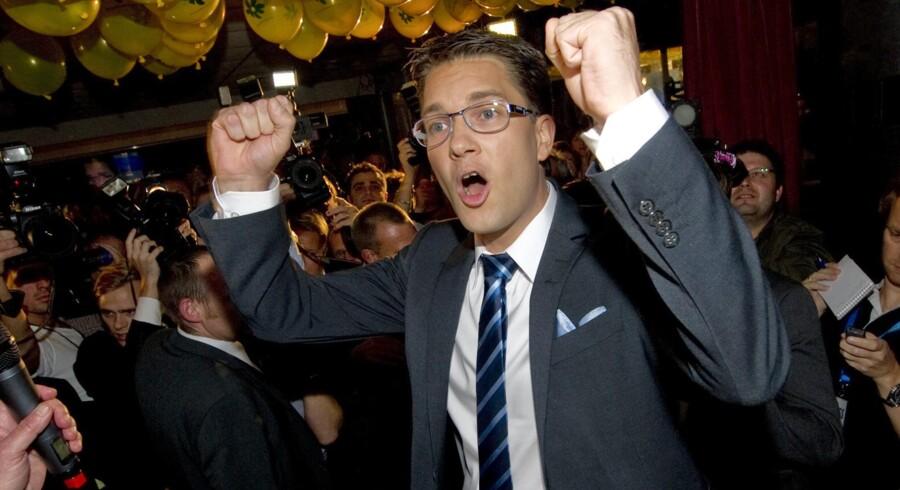 Sverigedemokraternas formand Jimmie Akesson jubler over det gode valg.