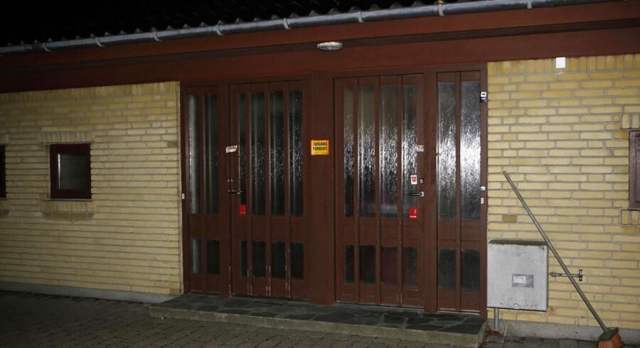 Det var på denne adresse i Skælskør, at den 63-årige kvinde ifølge anklageskriftet dræbte sin datter.