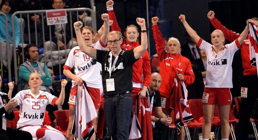 Det danske kvindelandshold skal ved næste års VM spille alle sine kampe i Jyske Bank Boxen i Herning.