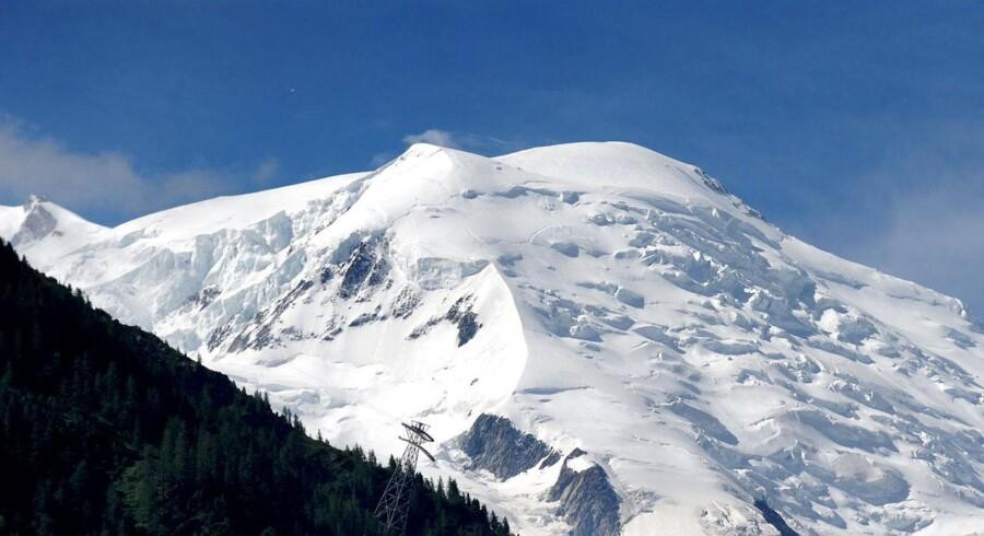 To bjergbestigere mødte et makabert syn, da de i torsdag var i færd med at bestige Mont Blanc