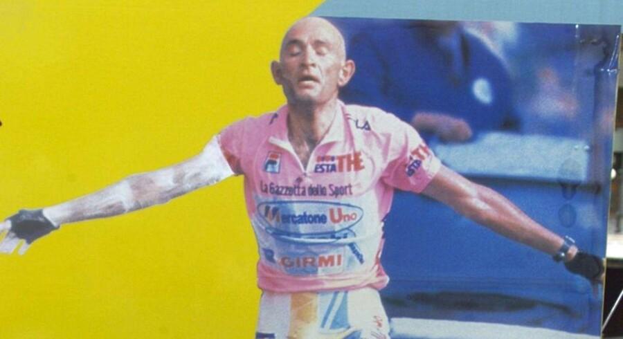 """""""Katolicismen betoner derimod i højere grad kristendommens sanselige og rituelle side gennem gudstjenestens sakramenter og dyrkelsen af hellige handlinger og personer. Denne mere mytiske tilgang kan da også genfindes i italiensk cykling, hvor ryttere som Fausto Coppi, der vandt Tour de France i 1949 og 1952, og Marco Pantani, der vandt i 1998, nærmest dyrkes som helgener ikke mindst i kraft af begges alt for tidlige død."""""""