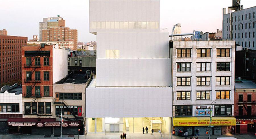 New Museum of Modern Art i New York er et af Sanaas værker. Det ser enkelt ud med en stabel kasser – men bygningens udformning løser en række komplicerede tekniske problemstillinger.