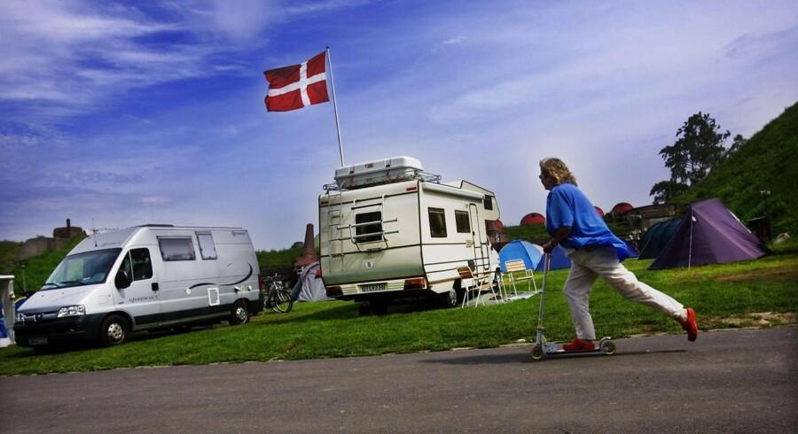 Mange kommuner har problemer med at finde plads til flygtninge, og derfor bliver hoteller, plejehjem og campingpladser taget i brug.