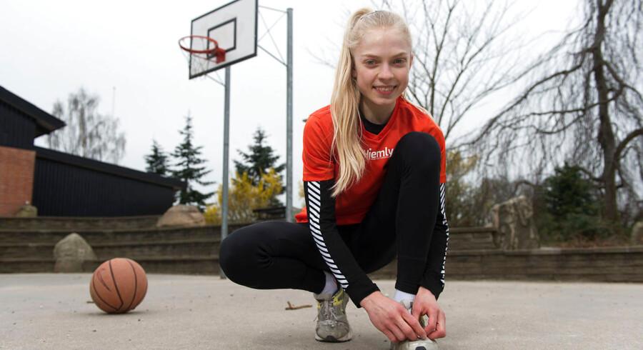 Anna Møller er en af Danmarks bedste løbere, men hun vil hellere spille basketball.
