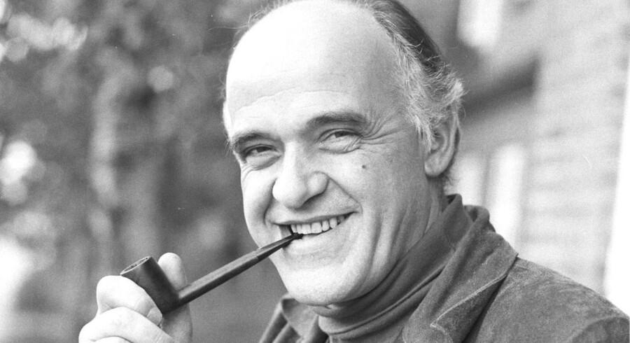 Niels Højlund, forfatter, tidligere højskoleforstander og præst, her på et ældre billede (dato ukendt), er død 82 år gammel.