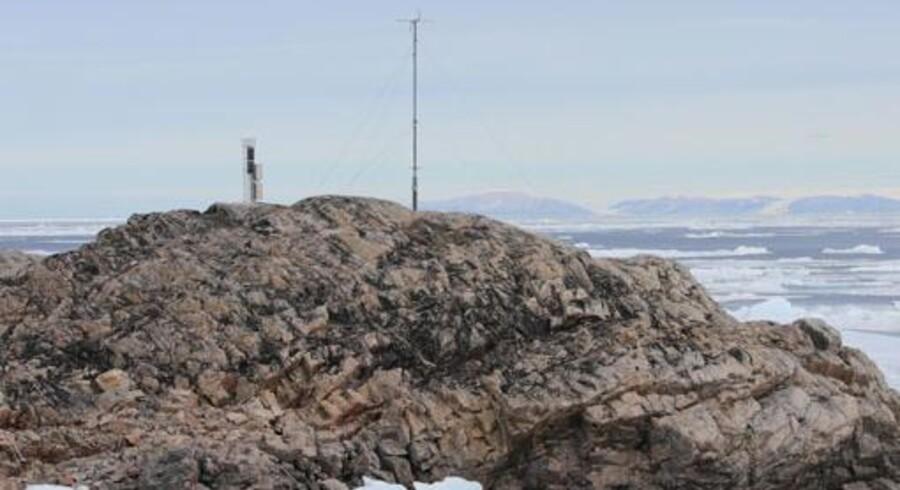 Den nye vejrstation GIWS vejrstation (GIWS = Greenland Isolated Weather Station) står på Grønlands vestligste spids.