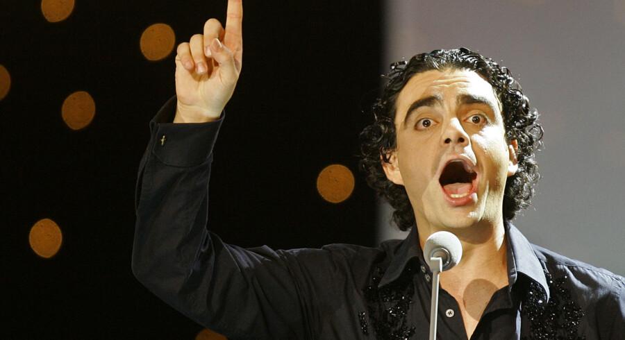 Flere koncertarrangører kritiserer Tivolis beslutning om ikke at give publikum til koncerten med Rolando Villazón pengene tilbage.