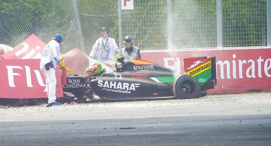 Sergio Perez idømmes fem strafplaceringer i næste Formel 1-grandprix efter voldsomt ulykke i Canada.