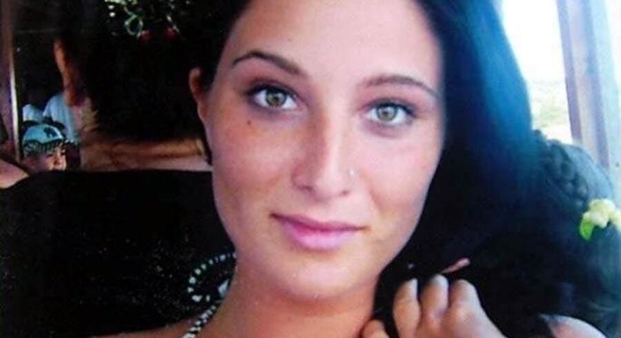 Den 20-årige kvinde fra Randers er blevet bortført af sine to fætre under en ferie i Tyrkiet.