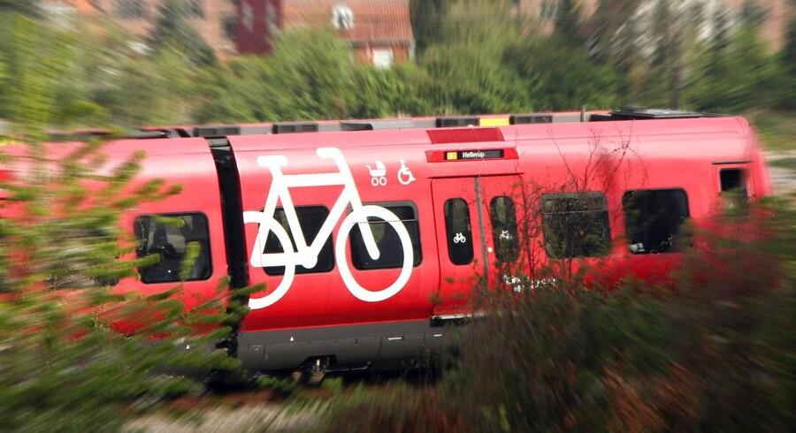 ARKIVFOTO. Banedanmark overvejer at igangsætte en kampagne, efter en 16-årig dreng er omkommet i såkaldte »toglege«.