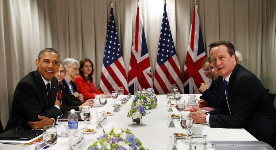Sammen med den britiske premierminister, David Cameron, kræver Obama, at Rusland skal stoppe som bagmand for de prorussiske separatister i Østukraine og i øvrigt anerkende landets nyvalgte præsident.