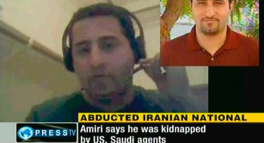 Videobilleder fra iransk stats-TVs engelsksprogede udgave, hvor Shaman Amiri siger, at han var blevet kidnappet af amerikanske agenter.