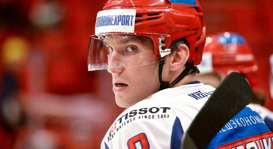 Ruslands kaptajn, Alexander Ovechkin, havde en assist mod Sverige og er klar til finalen søndag aften.