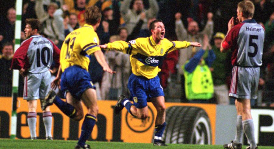 I 1998 var Brøndby med i Champions League, og her  blev Bayern München slået 2-1 i den allerførste grupperunde. Serjsmålet blev scoret af Allan Ravn (med arme som vinger). Brøndby tabte de efterfølgende fem kampe.