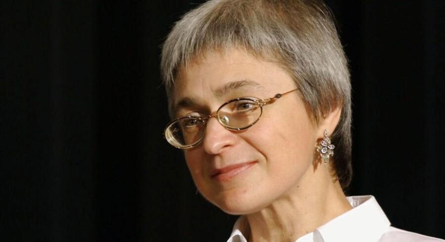 ARKIVFOTO 2002. Fem mænd er blevet dømt for mordet på journalist og Kreml-kritiker Anna Politkovskaja.