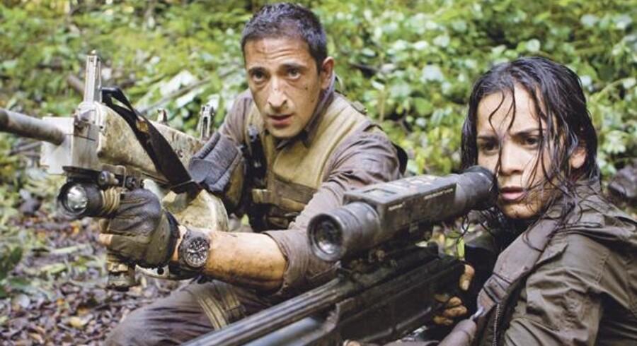 En lejesoldat og en kvindelig elitesoldat fra Israel rotter sig klogeligt sammen mod de tilsyneladende uovervindelige monstre i »Predators«.