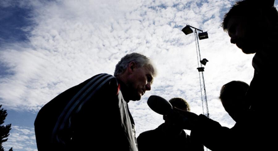 Morten Olsens mulige afgang var det naturlige tema, da landsholdet i går var samlet til træning i Vedbæk. Foto: Kristian Sæderup