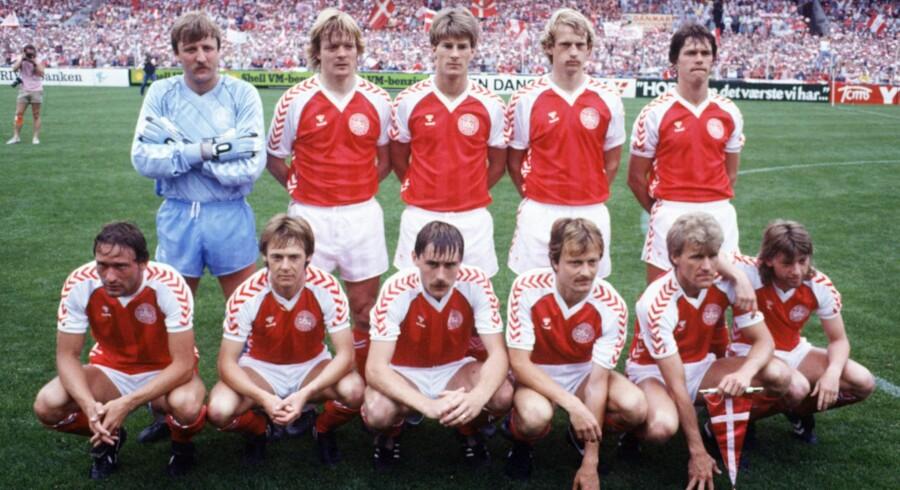 Danmarks 80er-landshold var gode til - ubevidst - at respektere hinanden og den enkeltes karakter og natur, siger Frank Arnesen, der mener, at presset på fodboldspillere i dag er langt større.