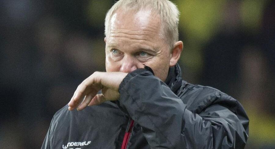 Glen Riddersholm må vinke farvel til guldet, men Champions League-pladsen er stadig på deres hænder.