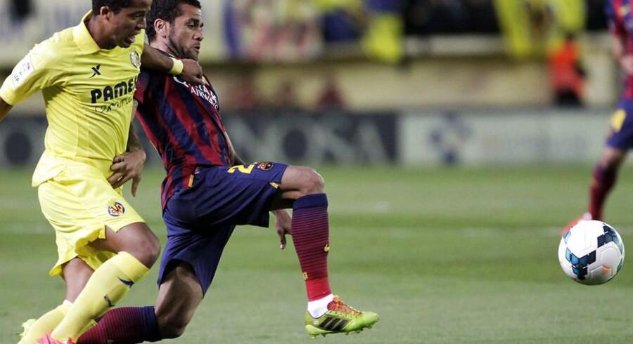 Dani Alves i kampen mod Villarreal, hvor der blev kastet en banan på banen efter den brasilianske back.