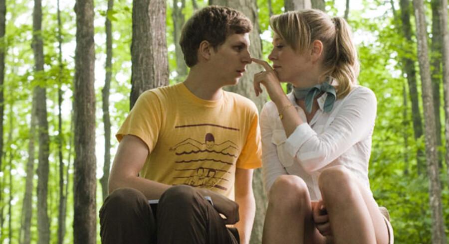 »Youth in revolt« er en sød og lidt rodet komedie om en ung fyr, der leder efter en måde at tiltrække det andet køn på.