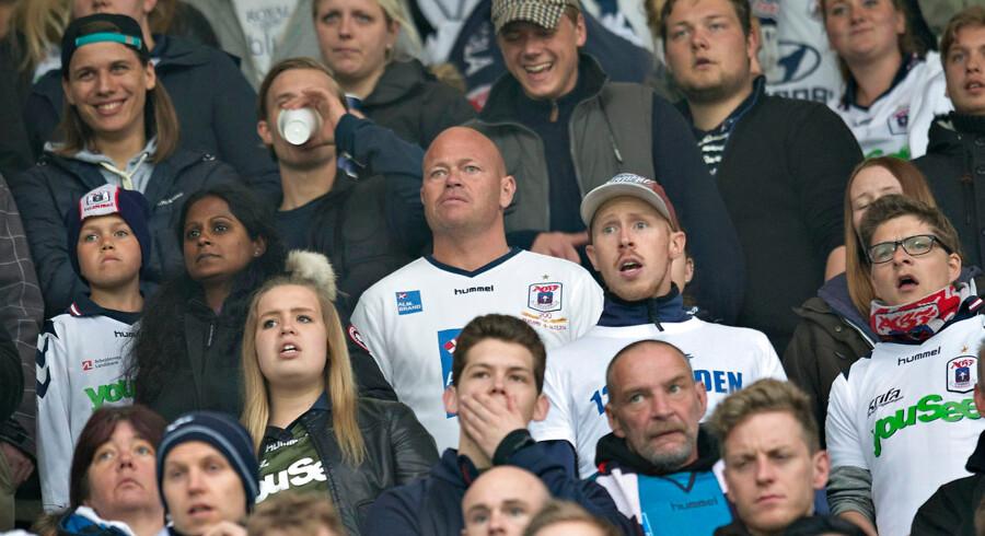 Stig Tøfting var blandt tilskuerne, da AGF mandag aften tabte til OB på hjemmebane.