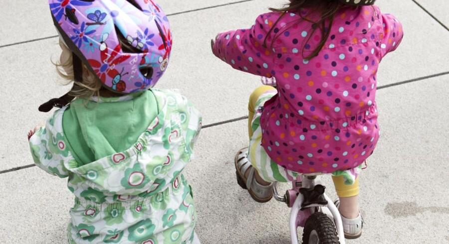 ARKIVFOTO. Fire ud af tre pædagoger er på en tilfældig dag alene med 15 børn, viser undersøgelse fra BUPL. Her et billede fra åbningen af cykelkampagnen »Vi kan Cykle!« på Jarmers Plads i København.