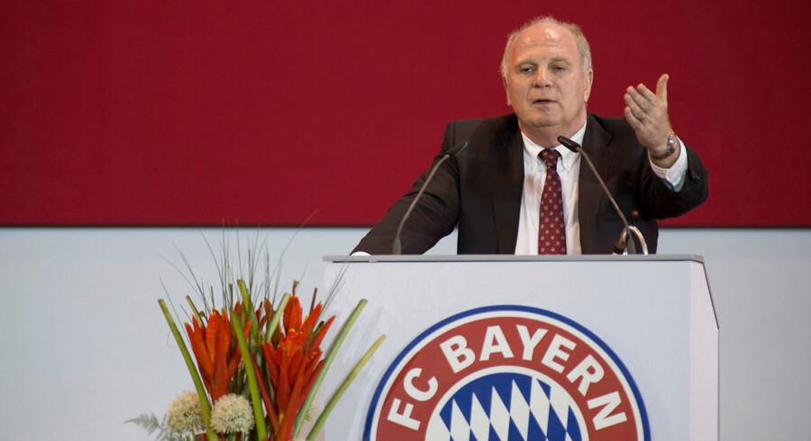 - Uli har brug for Bayern, og Bayern har brug for Uli. Han vil bruge tiden i fængslet på at tænke over resten af sit liv, og jeg håber han bruger resten af livet i FC Bayern, siger Franz Beckenbauer.