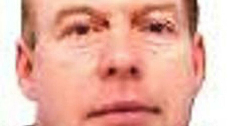 A handout image obtained on June 2, 2010, from Cumbria police, shows Derrick Bird, 52, wanted by the police in connection with shootings across West Cumbria in north-west England, Wednesday. British police were hunting an armed man on the loose in northwest England on Wednesday, after a number of people were killed, a spokesman said. Residents were warned to take shelter after at least one person was killed in the coastal town of Whitehaven by the Lake District, a region popular with tourists.    AFP PHOTO/CUMBRIA POLICE/HANDOUT         NO SALES/RESTRICTED FOR EDITORIAL USE    BEST QUALITY AVAILABLE