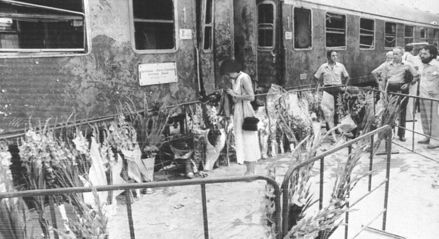 Hemmeligtstemplede dokumenter om en række terroraktioner i Italien vil snart blive frigivet efter ordre fra premierminister Matteo Renzi. Ved en af aktionerne med Bolognas banegård i 1980 blev 85 dræbt og 218 såret.