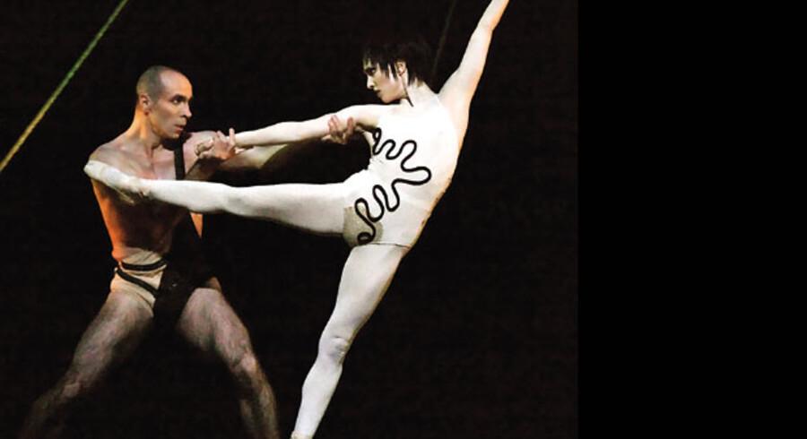 Jean-Lucien Massot og Jodie Thomas i »The Cage« på Operaen.