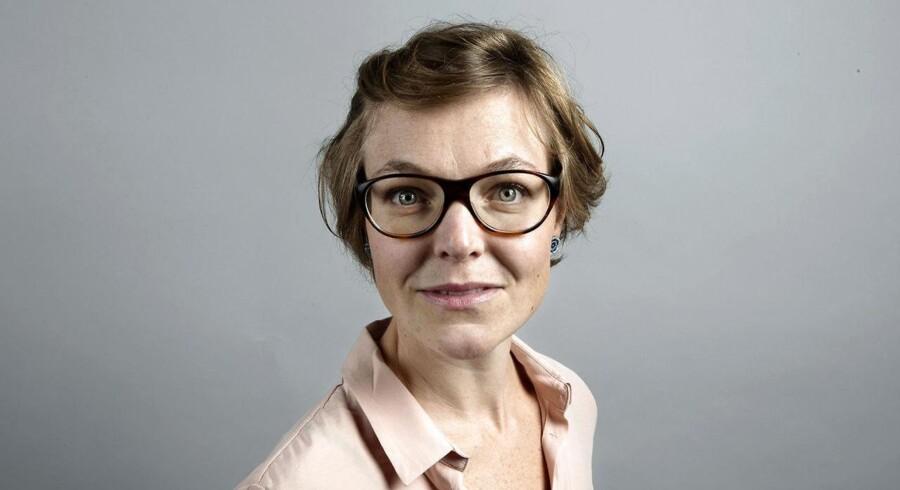 """Berlingske journalist Mette Dahlgaard er blevet hædret i EU for sin artikel """"Slår jeg nogen ihjel?"""" Artiklen omhandler Henrik Koch, som i begyndelsen af 1980erne var sæddonor. Han fandt senere ud af, at han havde givet en alvorlig kræftform videre til halvdelen af sine børn, og forsøgte forgæves at advare Sundhedsstyrelsen."""