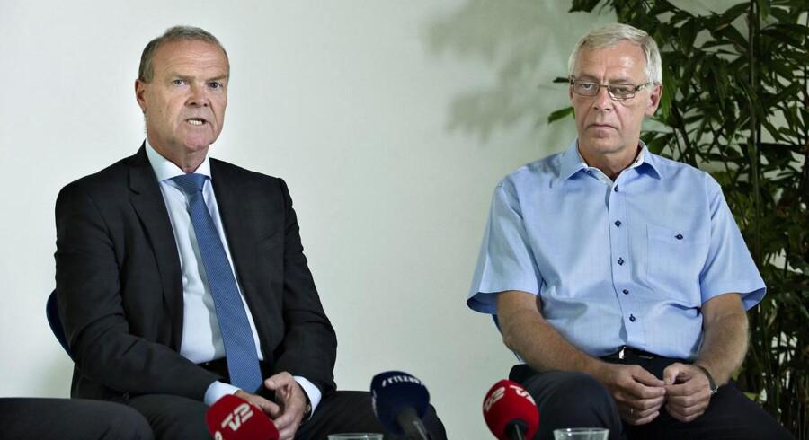 DBU gav den tidligere formand Allan Hansen (til venstre) en gylden pensionsordning, der udløste 1,5 millioner kroner.