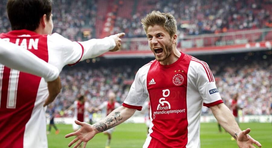 Ajax Amsterdam har ikke haft udgifter ved at hente Lasse Schöne, så klubben er ikke ivrige efter at sælge ham før kontraktudløb.